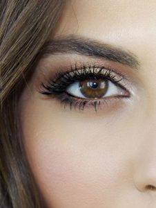 Makeup Brown Almond Eyes