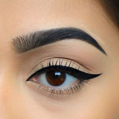 Apply Mascara Without Clumps
