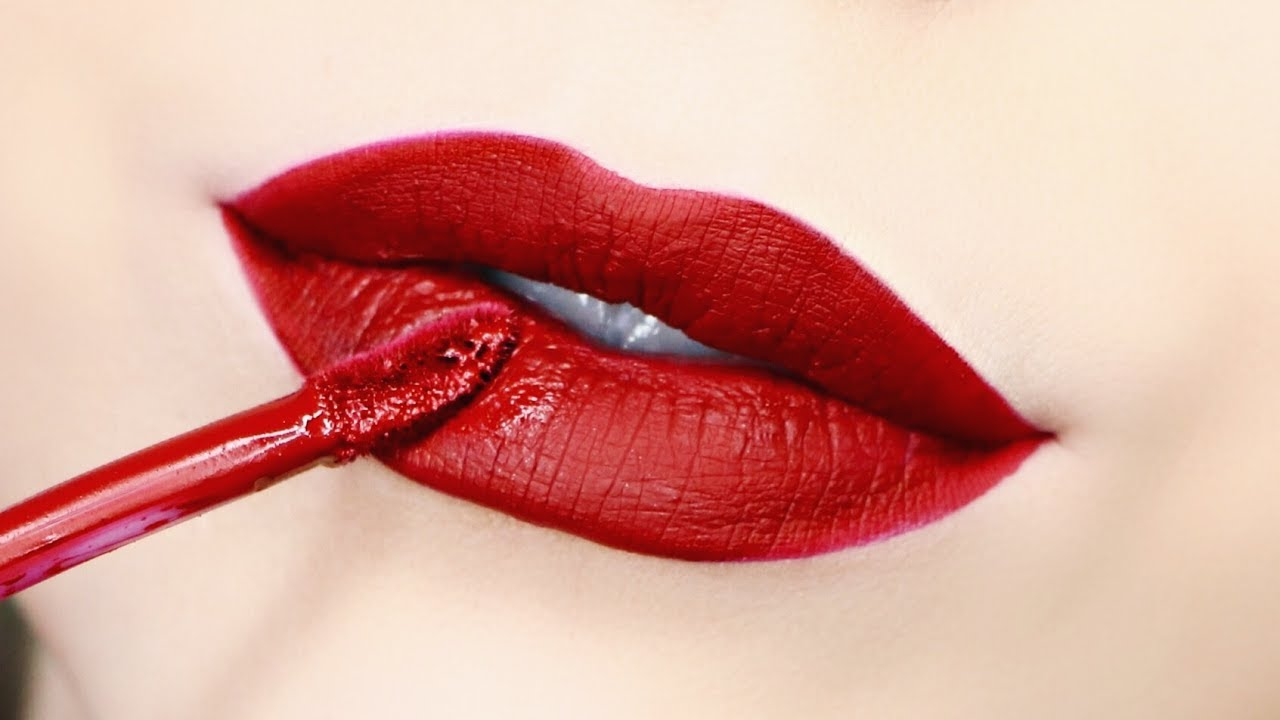How to blend lipstick red colours