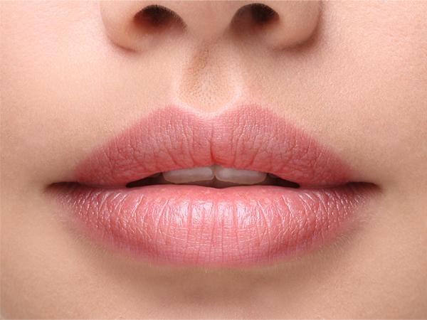 Soft pink lips naturally