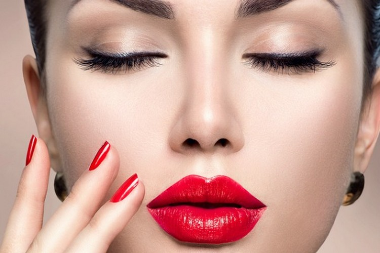 Red Lips For Party Makeup