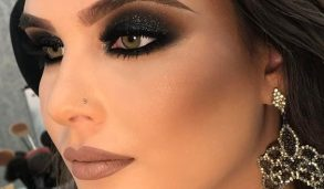How to apply black eyeshadow makeup