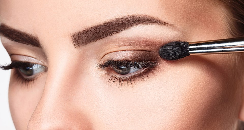 How to Apply Halo Eye Makeup